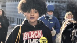 Nupol Kiazola är aktiv i organisationen Black Lives Matter. Hon stöder planerna på strängare vapenlagar i Virginia.