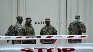 Soldater utanför capitolium i januari 2021