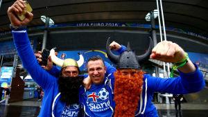 De isländska supportrarna är redo inför kvartsfinalen mot Frankrike.