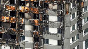 Grenfell Tower totalförstördes den 14 juni 2017.