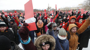 I Sankt Petersburg ordnades nomineringsmötet på söndagen ute på Marsovo-fältet.