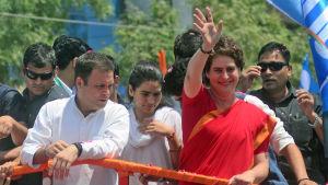 Rahul och Priyanka Gandhi leder det största oppositionspartiet, det anrika Indiska Kongresspartiet som försöker återta makten