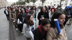 Protester i Moskva till förmån för skådespelaren Pavel Ustinov den 18 september.