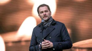 Igor Matovic, ledare för det pro-europeiska antikorruptionspartiet Olano talar på en manifestation till minnet av den mördade journalisten Ján Kuciak.