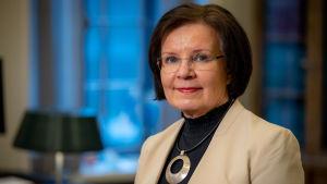 Eduskunnan pääsihteeri Maija-Leena Paavola eduskunnassa 24.2.2021