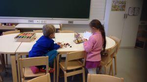 Barn leker i Landsängens förskola