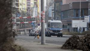 Ett avspärrat område nära platsen för Berlinattacken där lastbilen antas har parkerat strax innan dådet.