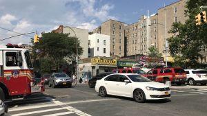 Utryckningsfordon i närheten av Bronx Lebanon Hospital.