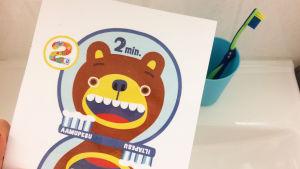 Pikku Kakkosen tulostetta hammasharjauskortti