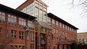 Scientologikyrkan i Malmö, egentligen i Arlöv. Invigdes av David Miscavige 2009.