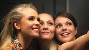 Susanna ja Tiina Laine sekä Anna-Liisa Tilus