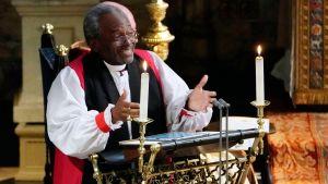 Biskop Michael Bruce Curry från USA höll ett eldigt tal om kärlek