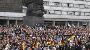 Ytterhögern protesterade i den östtyska staden Chemnitz 27.08.2018.