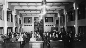 Helsingfors stadsfullmäktige samlat i Börshuset år 1929.