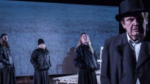 Foto från Pakolaiset på Tammerfors teater.