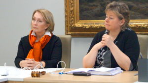 Kristina Ahmas och Stina Mattila.