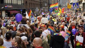 Prideparad i Helsingfors