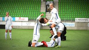 Spelare spexar efter Finlands match mot Tjeckien i kvalet till U19-EM.