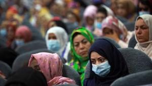 Kvinnliga deltagare i det stora stammötet Loya Jirga nyligen, oroade sig för hur det skall gå för flickor och kvinnor om man når ett fredsavtal.