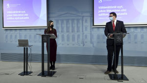 Sanna Marin ja Mika Salminen