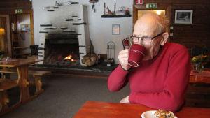 Nisse Eklundh i kafet på Swinghill februari 2015