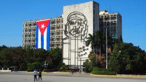 Vid revolutionstorget i Havanna.