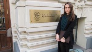 Julija Kurganovitj från Vitryssland studerar vid Handelshögskolan i Stockholm i Riga.