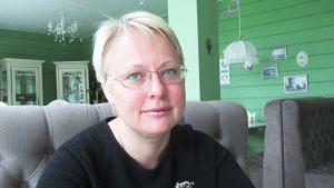 Irina Nikolaeva säger att folk har tröttnat på att protestera.