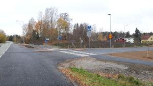 Korsningen mellan Skärgårdsvägen och Ålövägen.