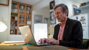 Journalistiikan emeritusprofessori Tom Moring, Helsinki, 19.12.2018.