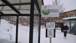 Skylt på byaskjussen vid Borgå busstation