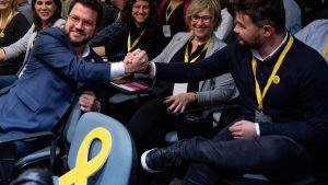 Nöjda katalaner efter möte 2.1.2020. Pere Aragones t.v.  och Gabriel Rufian t.h.