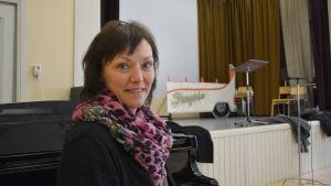 """Annika Strömberg regisserar Inteks teaterföreställning """"Shangri-la"""""""
