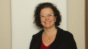 Minna Martikainen är professor i redovisning vid den svenska handelshögskolan Hanken i Helsingfors.