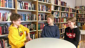Tonårspojkar i St Olofsskolan