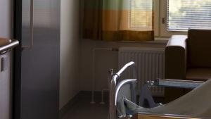 Inne i ett patientrum på Jorv sjukhus