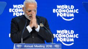 Indiens premiärminister Narendra Modi talar vid det världsekonomiska forumet WEF i Davos.