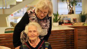 Ketri Lehto och Liisa Kilpi.