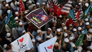 Demonstration i Pakistan mot Frankrike på grund av Muhammedkarikatyrer