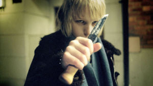 Oskar (Kåre Hedebrant), vampyyritytön ystävä Tomas Alfredsonin elokuvassa Ystävät hämärän jälkeen.