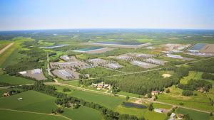 Här planeras Giga vaasa, längst till höger i bild syns flygfältets landningsbana.