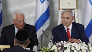 På bilden Israels premiärminister Benjamin Netanyahu och USA:s ambassadör Dived Friedman.