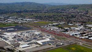 Teslas jättefabrik i Kalifornien