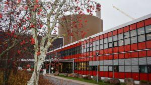 Hästholmens kärnkraftverks huvudbyggnad.
