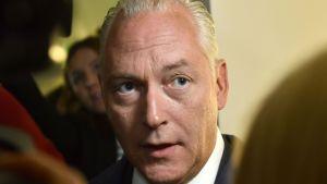 Den terrormisstänkte Rakhmat Akilovs försvarsadvokat Johan Eriksson under häktningsförhandlingarna.