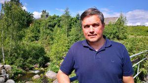 Fredrik Pressler vid Strömfors vattenkraftverk.