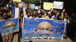 Demonstration i Pakistan mot Trumps beslut att erkänna Jerusalem som Israels huvudstad