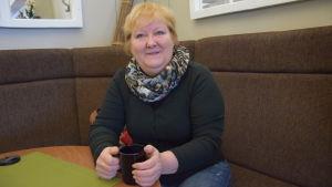 Karita Pihlström söker jobb i Ekenäs.
