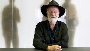 Författaren Terry Pratchett.