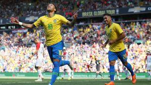 Neymar jublar efter sitt mål mot Kroatien.